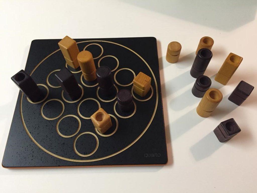 Quarto Game Board and Pieces